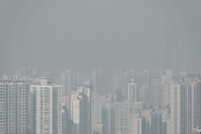 A smoggy Shanghai skyline
